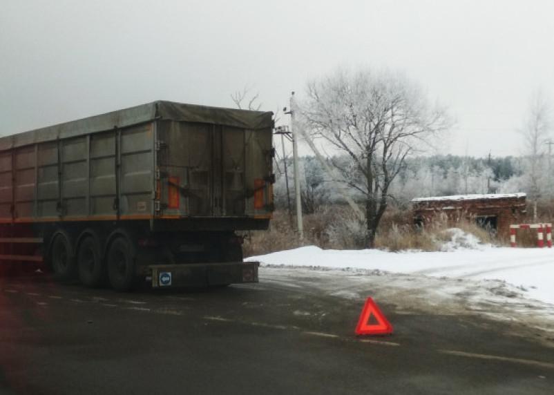 В Вяземском районе в ДТП с фурой погиб водитель легковушки