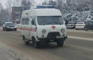 В Ельнинском районе грузовик снёс ВАЗ. Водитель легковой машины госпитализирован