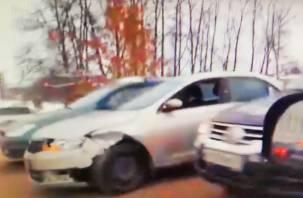 Из-за ДТП на мосту через Днепр в Смоленске собирается пробка