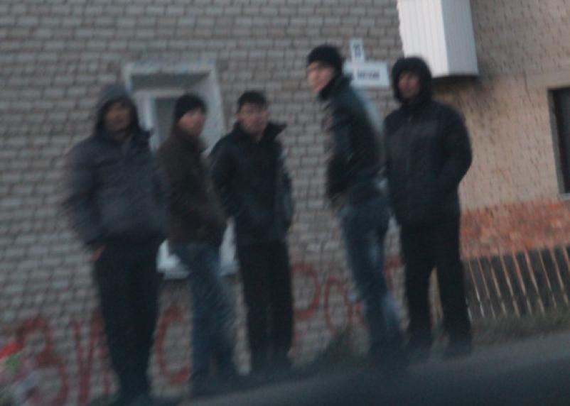 Вязьмич решил подзаработать и фиктивно прописал 9 иностранцев. Теперь ему грозит прописка в тюрьме