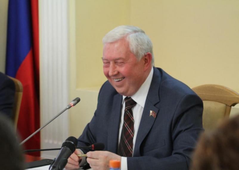 Пока не договорились: депутаты Смоленского горсовета не спешат отрешать главу от должности