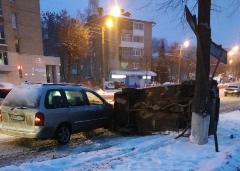 В Смоленске на улице Багратиона – «перевертыш» из-за ДТП. В Сети появились фото