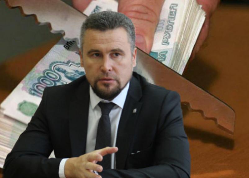 В Смоленске суд опубликовал «пьесу» экс-директора «Смоленскавтодора» Владислава Апакова