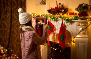 Дети Cмоленской области могут позвонить Деду Морозу