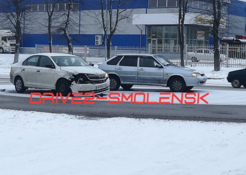 В Заднепровском районе Смоленска случилось две аварии