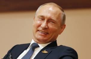 Чтобы не хотелось. На «культурном совещании» Владимир Путин пошутил про мат