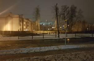 Сафоновцы через соцсети попросили администрацию осветить «зебру» возле школы