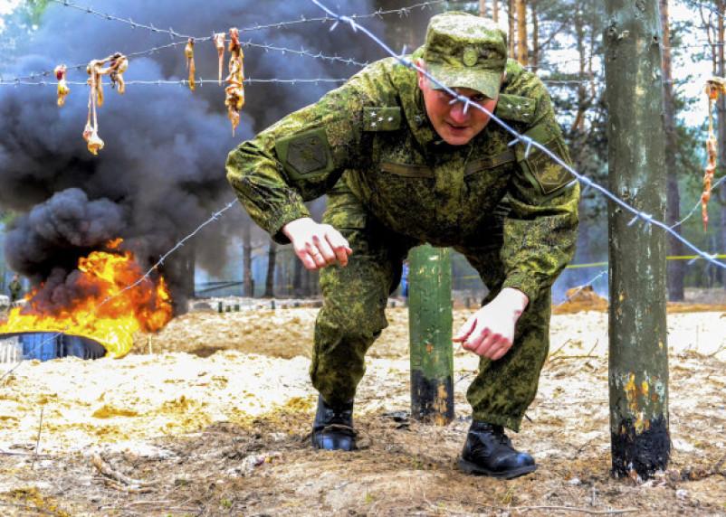 В Смоленской области военные будут проходить полосу препятствий под женские крики и грохот бомб