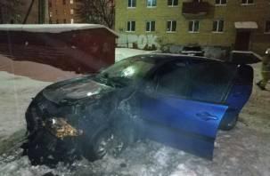 В центре Смоленска горел Renault Megane: появились фото с места ЧП