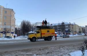 В центре Смоленске произошел обрыв контактной сети. Трамваи остановились
