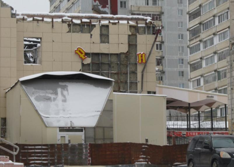 Ярцевская мэрия намерена разобраться с развалинами сгоревшего кабака. А что думает смоленская администрация?