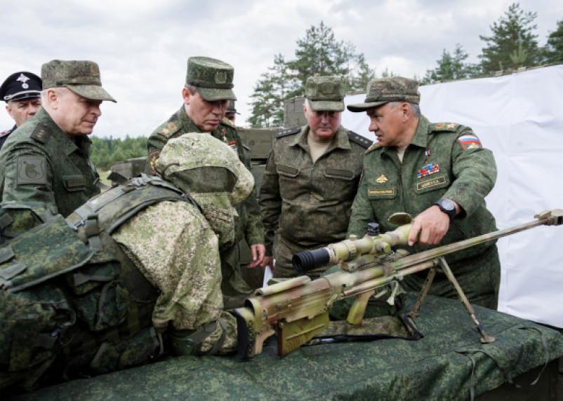Хоть выстрел в упор. Смоленских военных одели в керамическую броню