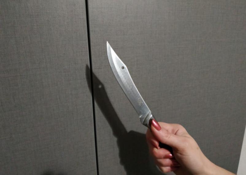 На ножах. Семейный конфликт для смолянки закончился уголовным делом