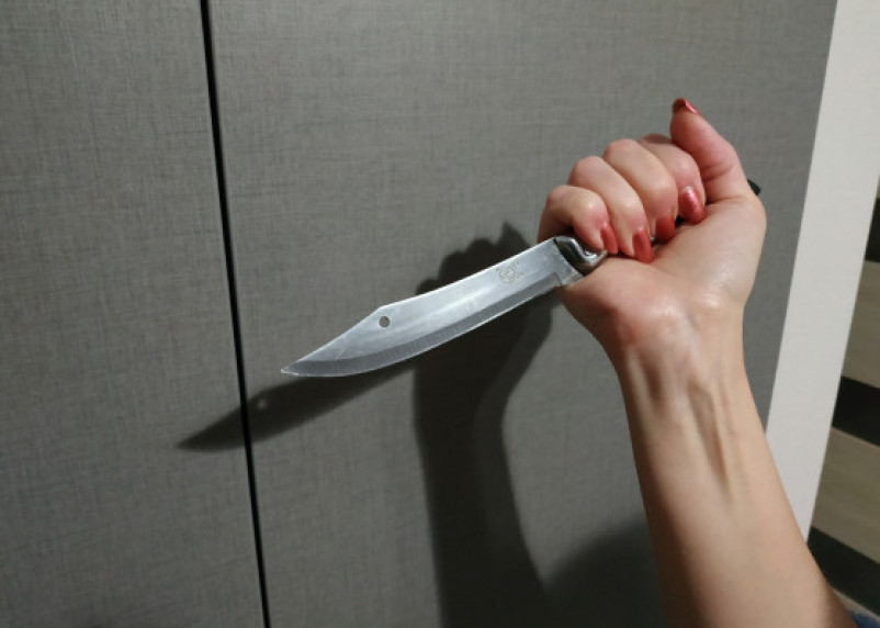 В Вязьме словесный конфликт между двумя женщинами закончился поножовщиной