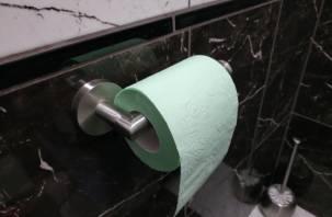 Дерматологи рассказали об опасности туалетной бумаги