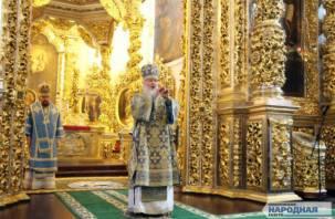 Патриарх Кирилл призвал россиян воздержаться от посещения храмов