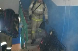 В Смоленске на лестничной площадке горел… матрац. Мужчина попал в медучреждение