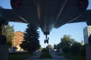 В Смоленске благоустроят сквер у самолёта на Багратиона