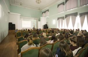 Выпускникам рассказали о порядке проведения вступительных экзаменов в вузах