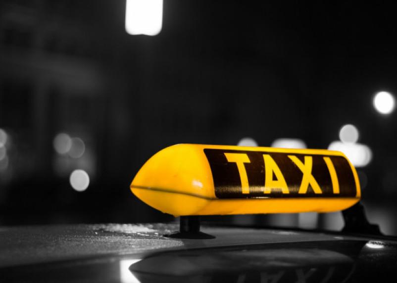 Смолянин изуродовал такси, на котором пыталась уехать его жена