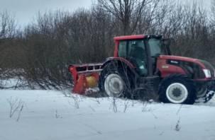 Смоленские крестьяне зимой не только торжествуют, но и обновляют путь