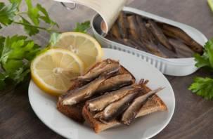 В Россию могут запретить ввоз рыбных и мясных консервов