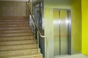 Жильцов первых этажей многоэтажек не освободят от платы за лифт