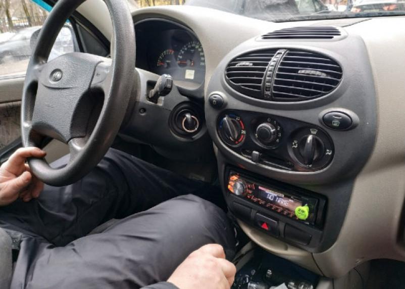 В России автомобилистов ждет штраф за курение за рулём