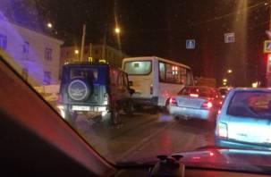 Утреннее ДТП в Смоленске спровоцировало пробку на Витебском шоссе