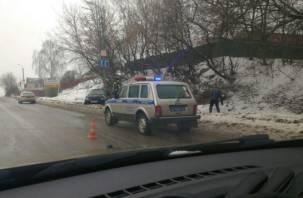На Свердлова серьезная авария с участием такси. Две пассажирки пострадали