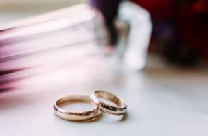 Уже купили обручальные кольца. Мужчина из Сафонова, решившийся на отчаянный шаг, планировал свадьбу