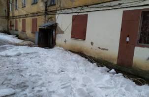 «Ледник» с крыши сошел в Вязьме. Оборваны электрические провода и интернет