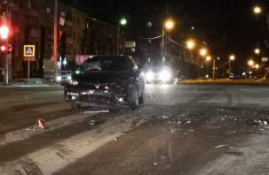 Ночью 23 февраля произошла серьезная авария на трех дорогах. В Сети появилось видео