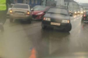 В Смоленске масштабное ДТП на Витебском шоссе спровоцировало пробку