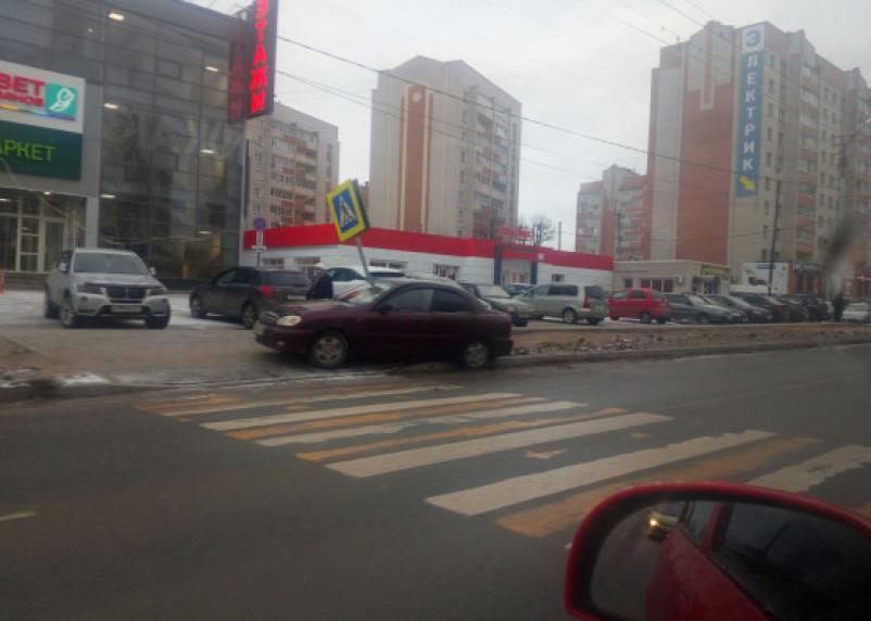 Водитель погиб на месте. Шевроле влетело в столб на Краснинском шоссе