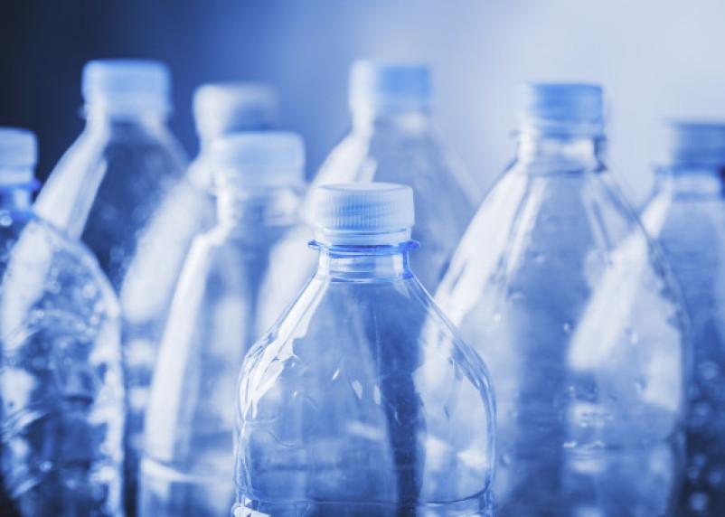 Оценена вероятность возникновения рака из-за пластиковых бутылок