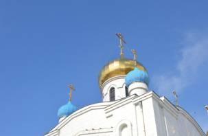 В РПЦ призвали прихожан к ношению масок и перчаток