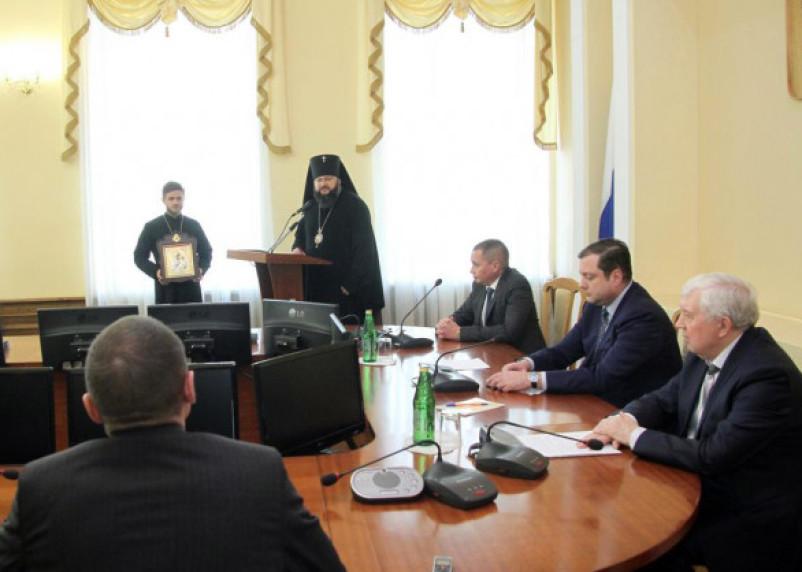 Андрей Борисов вступил в должность главы Смоленска: фоторепортаж с места события