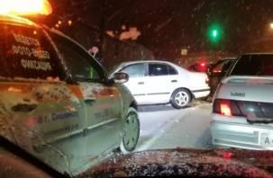 Вечер вторника «штампует» ДТП в Смоленске. Серьезная авария на Витебском шоссе