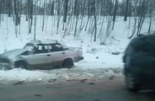 В Смоленске жёсткое ДТП на Волоке перекрыло дорогу