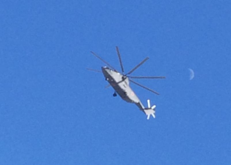 Полёт Ми-26 в небе над Смоленском попал на видео