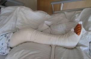 Кто-то толкнул. В Смоленске ребенок сломал ногу в батутном центре