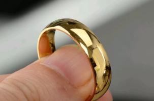 В Ярцеве орудовала парочка «золотых» мошенников