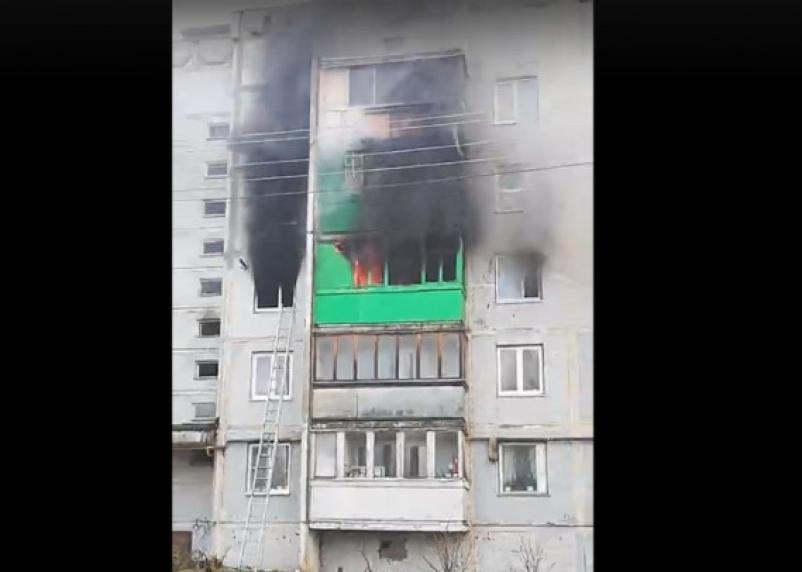 Сгорела женщина, один человек госпитализирован. Видео смертельного пожара в Смоленской области появилось в Сети