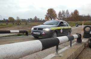 В России стали выдавать водительские права нового образца