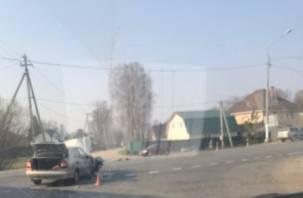 Две легковушки схлестнулись на Витебском шоссе в Смоленске