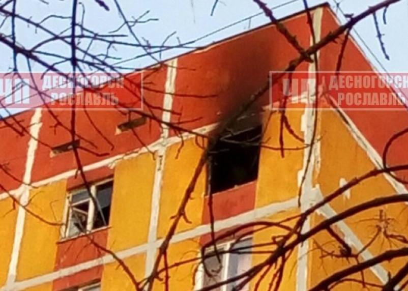 Подробности пожара в общежитии Десногорска. В Сети появилось видео