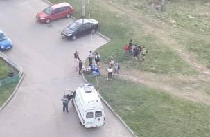Соцсети: в Смоленске 15-летнего подростка забрала «скорая»