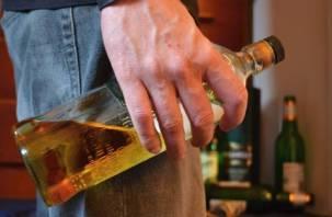 Посиделки со спиртным в Рославле закончились больницей и уголовным делом