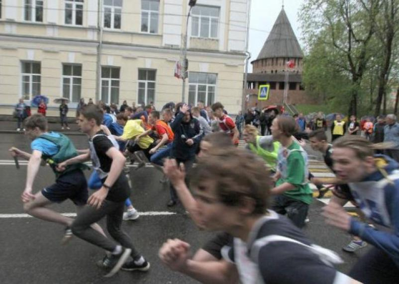 В Смоленске состоялась легкоатлетическая эстафета «Победа»